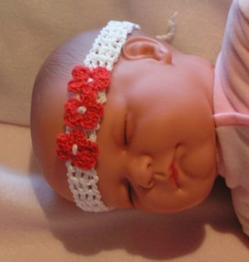 lucygurumi - Häkelanleitung Stirnband für Babys | MyBoshi.net
