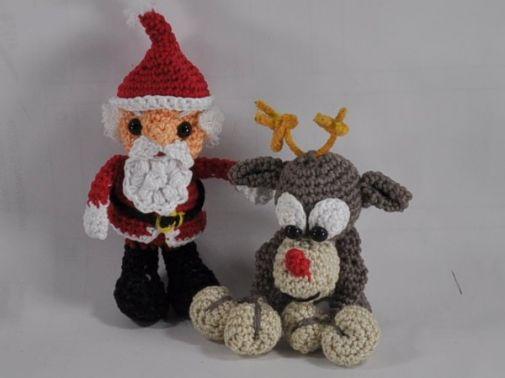Weihnachtsmann und Rentier Rudolf