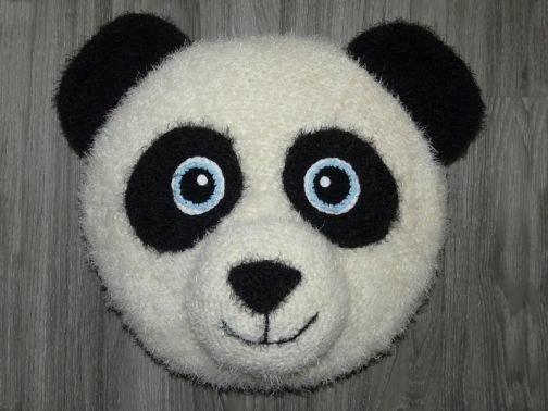 Häkelanleitung flauschiges Panda Kissen