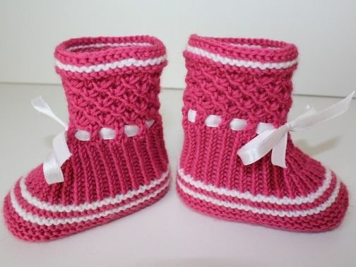 Strickanleitung Baby-Booties im Sternchenmuster