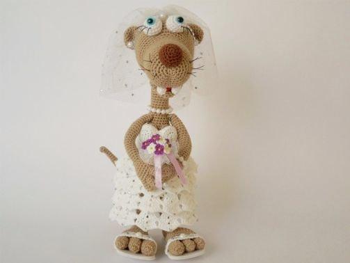 Wiesel Rösli im Hochzeits-Outfit