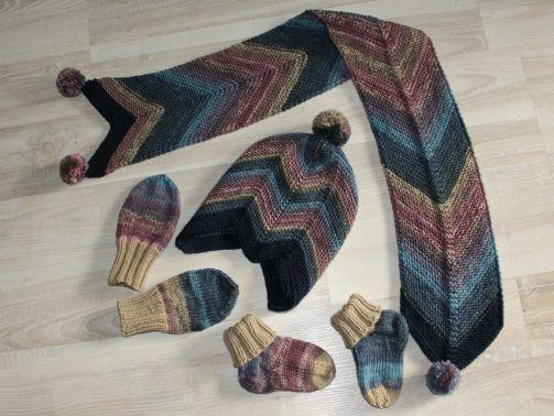 Strickanleitung Baby-Set, Mütze, Schal, Socken, Handschuhe