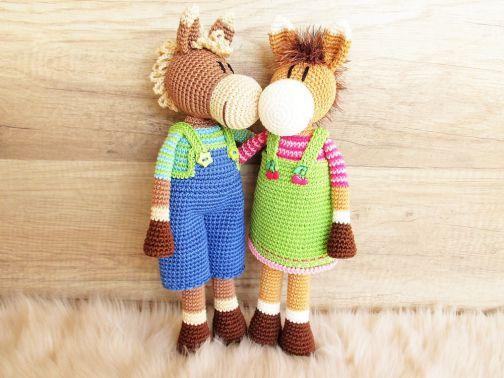 Paulina & Paul Pony