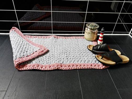Badezimmerteppich aus Textilgarn