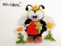 große Biene mit erdbeere