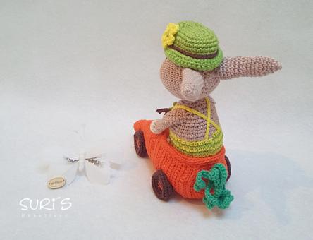 Häkelanleitung Seppi mit seinem Karottiflitzer