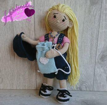 Puppe Alessia im Freizeit-Outfit