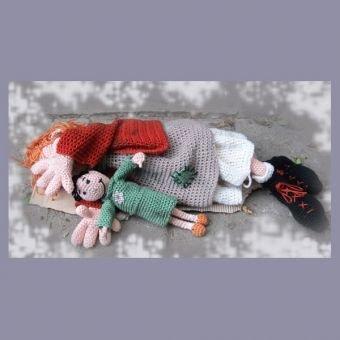 Arme Anna   PDF Häkelanleitung Puppe