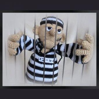Gauner Boris  PDF Häkelanleitung  Puppe