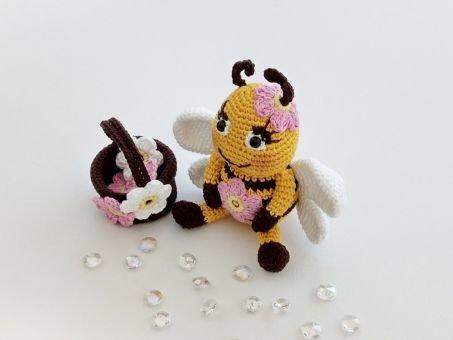 """Häkelanleitung Glücksbringer kleine Biene """"Sumina"""""""
