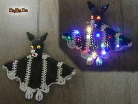 Für Halloween, Hexe, Fledermaus, Kürbis und Geist