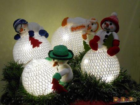 4 Schneemänner, beleuchtete Dekoration oder Adventskranz