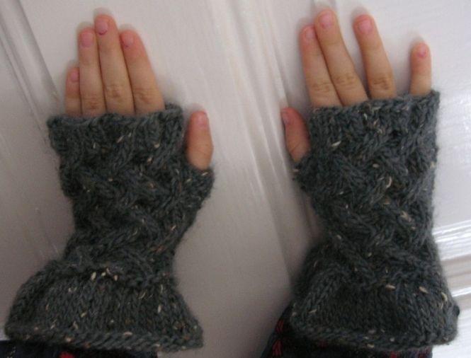 Bettina Kast Stulpen Handschuhe Godiel Mädchen Strickanleitung