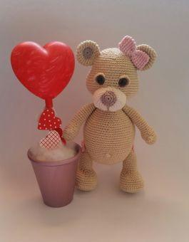 Teddy Valentina mit Herz