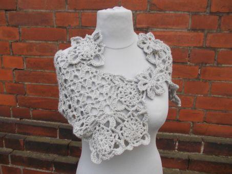 Häkelanleitung Schal mit Blumenmotiven, Häkelblumen