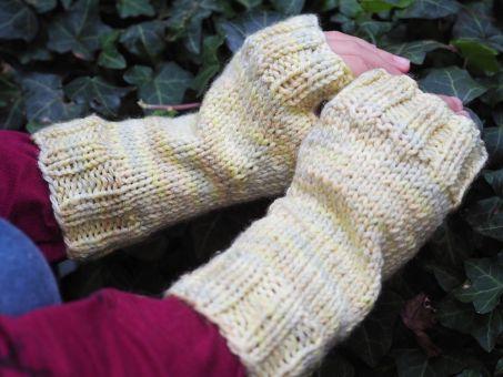 "Strickanleitung: Fingerlose Handschuhe ""Lea"""