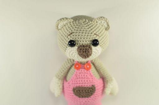 Haekelicious Bär mit Latzhose / Teddy