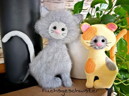 Verspielte Kätzchen häkeln in verschiedenen Varianten