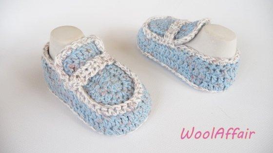 WoolAffair - (91) Häkelanleitung Baby College Schuhe | MyBoshi.net