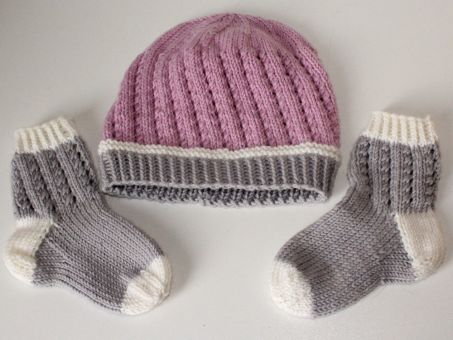 Strickanleitung Babyset Mütze und Socken