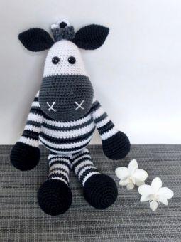Simoni F. Handmade: Zebra Poll em Amigurumi com Simoni Figueiredo ... | 340x255