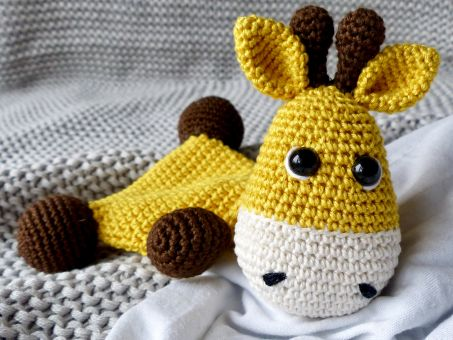 Knistertuch Giraffe Glückskind (Häkelanleitung)